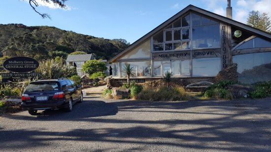 Great Barrier Island, Nuova Zelanda: Front Entrace to Mulberry Grove Store