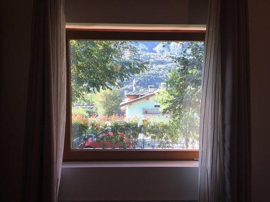 Quart, Italy: Pro: disponibilità,cortesia, pulizia, arredamento bello, confortevole. Non perdetevi la pinsa!!