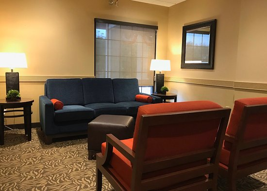 State College, PA: Lobby Seating Area