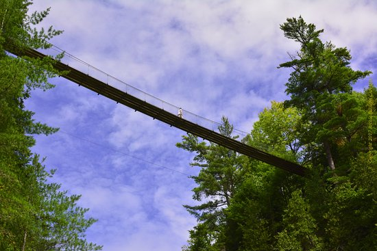 Beaupre, Canada: One of the hanging bridges in Canyon Sainte-Anne in Quebec.