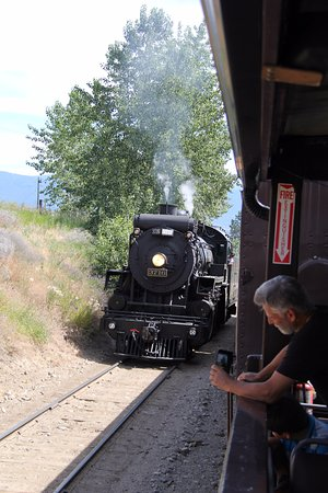 Summerland, Canada: Engine reversing for return trip.
