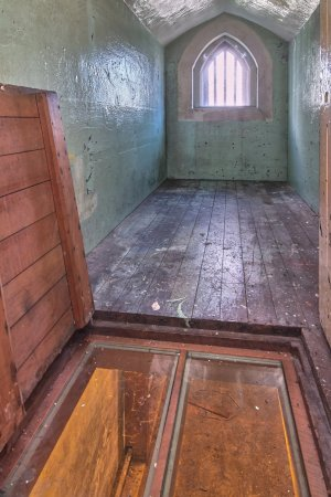 Jailhouse Accommodation: Solitary Confinement!