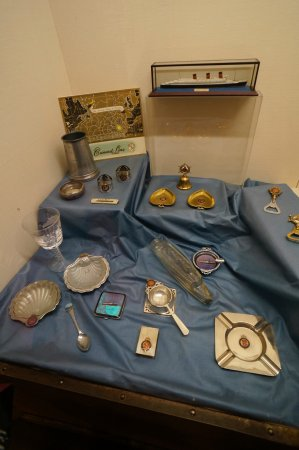 Cobh, Ierland: Queen Mary's items