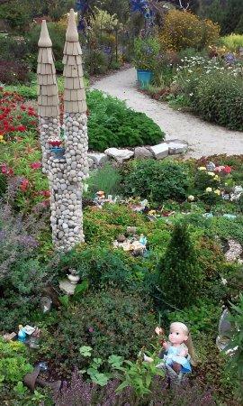 the garden door alice in wonderland display - Alice In Wonderland Garden