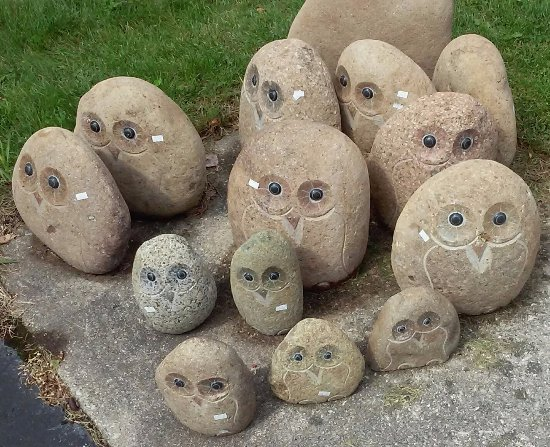 Ephraim, WI: Grouping of owl stones to welcome visitors.