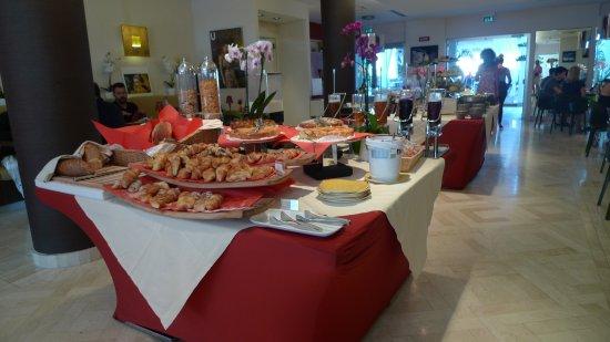 Jazz Hotel: Excellent buffet de petit déjeuner