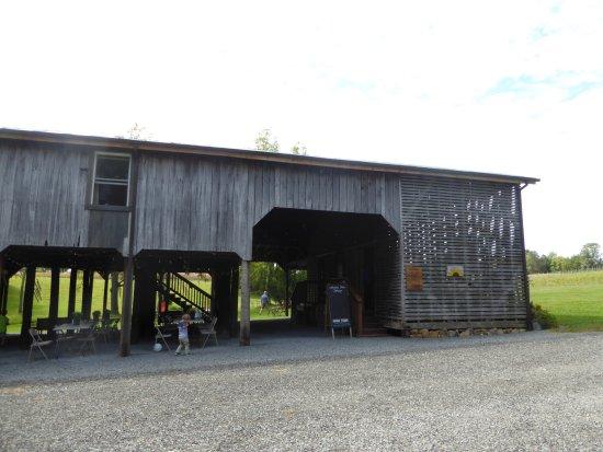 Culpeper, VA: Tasting Barn