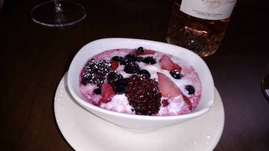 Stockton, NJ: Berries in Ice Cream