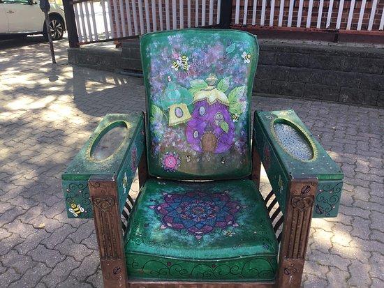 Orillia, Canada: Decorated chair