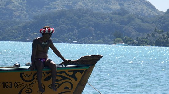 Maohi Nui: Different guide on another boat