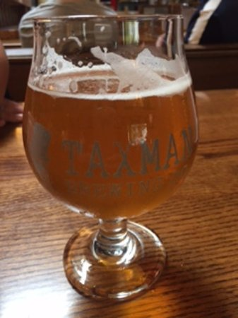 Buffa Louie's at the Gables: local beer on tap!