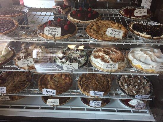 Gillett, Ουισκόνσιν: Amazing pie selections, fresh daily