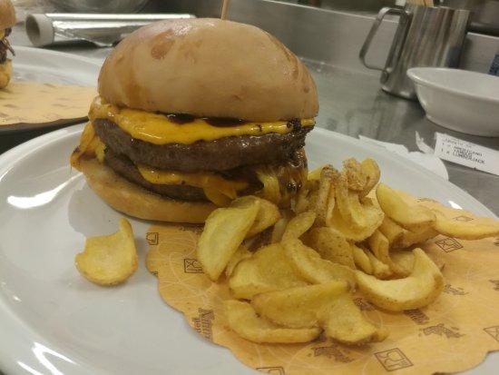 Пиове-ди-Сакко, Италия: Evergreen Burger