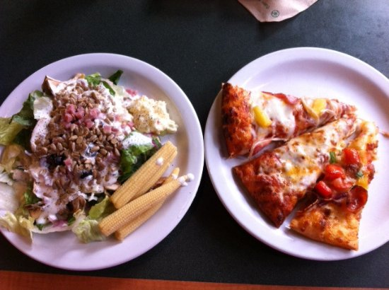 Round Table Lunch Buffet.Lunch Buffet Pizza Salad Soda Picture Of Round Table Pizza
