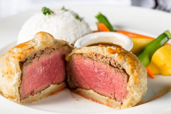 Hy's Steak House - Waikiki: Filet of Beef Wellington