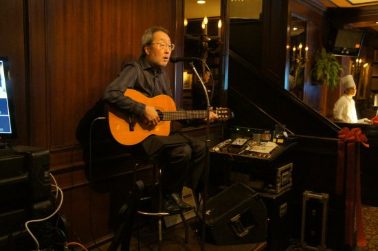 Hy's Steak House - Waikiki: Local favorite Audy Kimura performs Tuesday through Saturday in library lounge. Live music night