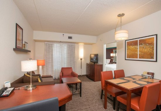 West Chester, OH: One-Bedroom Suite - Living Room