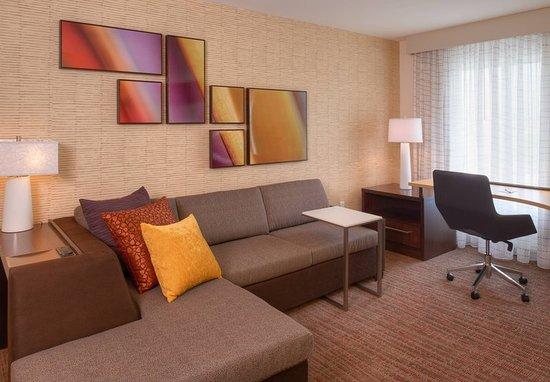 Bolingbrook, Илинойс: Studio Suite - Living Area