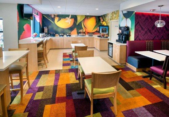 Astoria, NY: Breakfast Dining Area