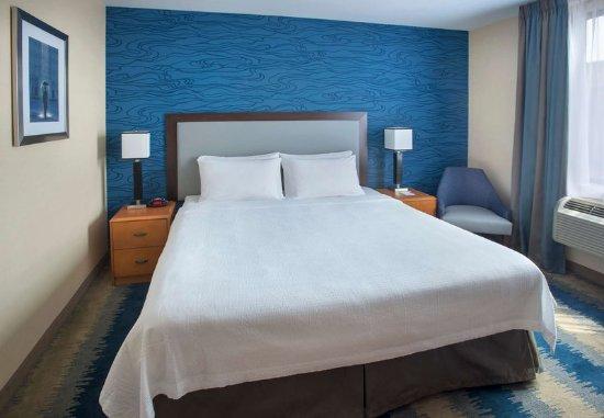 Astoria, NY: King Guest Room
