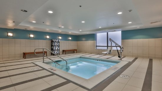 Woburn, Μασαχουσέτη: Whirlpool Spa is open from 8am-10pm daily