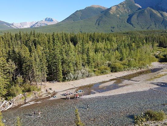 Kananaskis Country, Καναδάς: River beside Loop E campground