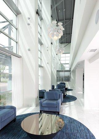Radisson Hotel Menomonee Falls: Lobby
