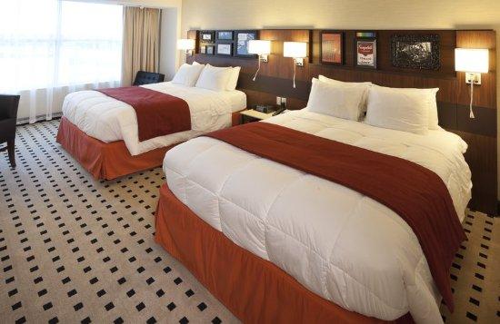 Menomonee Falls, WI: Guest Room