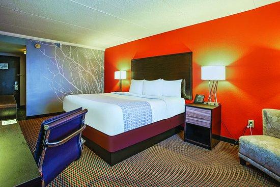 Runnemede, NJ: Guest Room