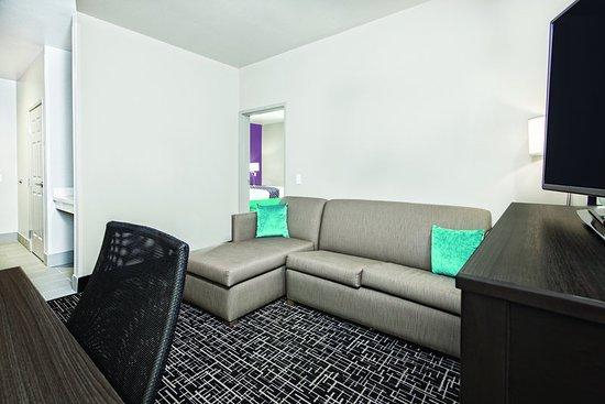 Portland, TX: Suite