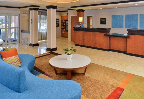 Kingsland, GA: Front Desk & Lobby