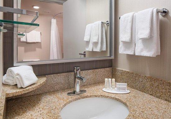 Richmond, Kalifornien: Guest Bathroom