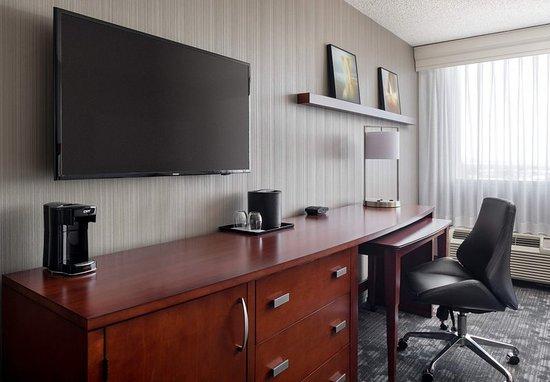 Richmond, Kalifornien: Guest Room - Work Desk