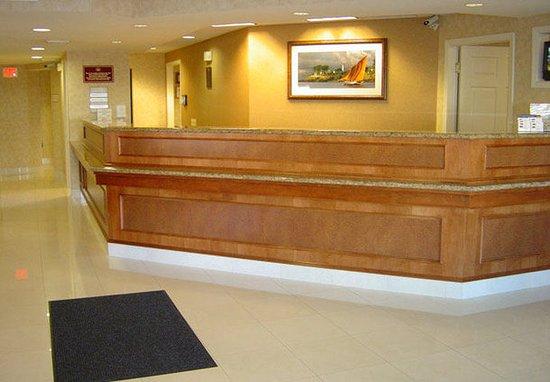 San Mateo, CA: Lobby