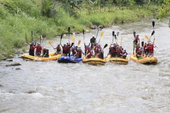 Grecia, Costa Rica : Guest River Rafting