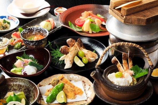 Maniwa, ญี่ปุ่น: 秋の松茸料理