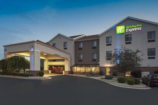 Brookville, OH: Hotel Exterior