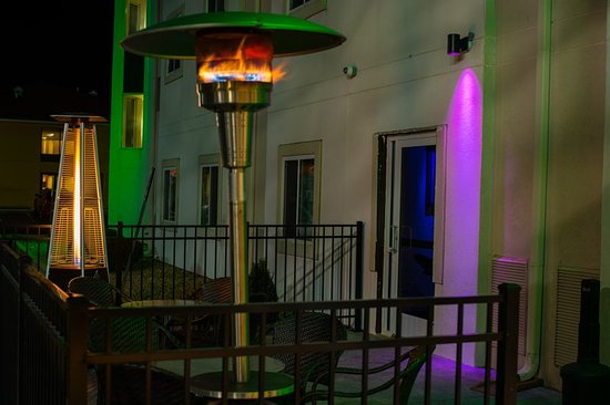 Saint Robert, MO: Patio/Lounge Area