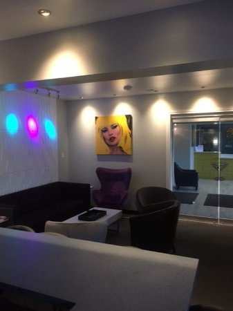 Saint Robert, MO: Studio Z Lounge