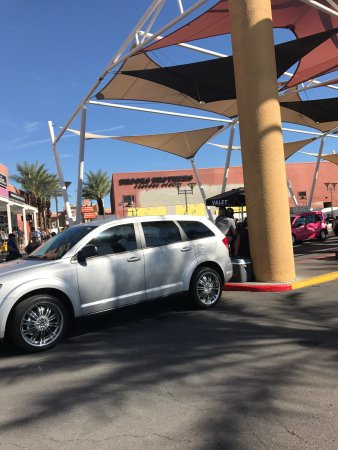 Las Vegas North Premium Outlets : photo6.jpg