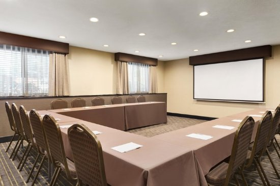Clackamas, OR: Meeting Room