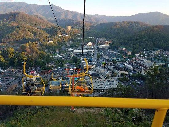 Gatlinburg Sky Lift: Going down the mountain