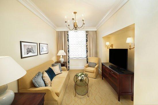 The Jefferson Hotel Virginia Suite Queen Lving Roo