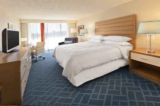 Sheraton Lake Buena Vista Resort: Traditional King Guest Room