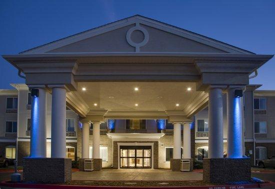 Bethany, OK: Hotel Exterior