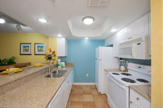 Holiday Inn Club Vacations Cape Canaveral Beach Resort: Fully equipped kitchens come standard in a 1- and 2-bedroom villa
