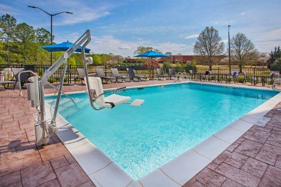 Covington, GA: Swimming Pool
