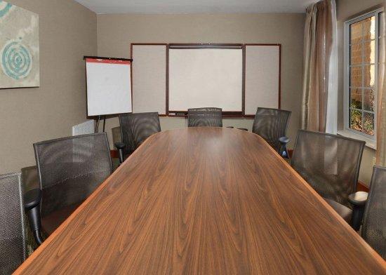 มอร์ริสวิลล์, นอร์ทแคโรไลนา: Reserve our board room for private meetings away from the office.