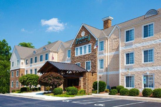 มอร์ริสวิลล์, นอร์ทแคโรไลนา: Our Staybridge Suites is located along I-40 near the RDU Airport!