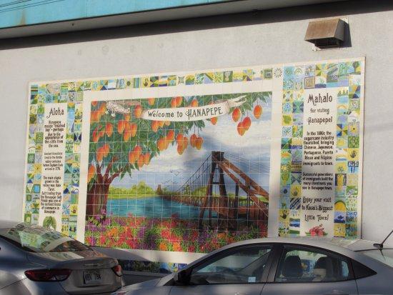The mural entering Hanapepe